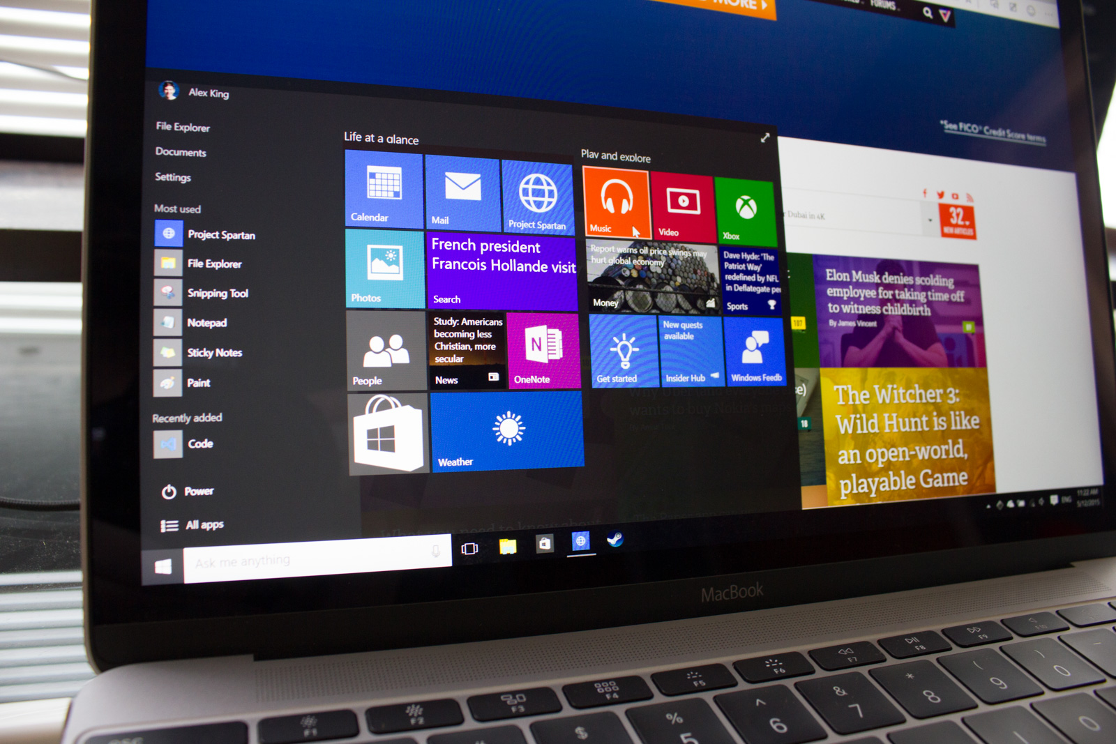Testing The 12-inch MacBook's Performance with Windows 10 - Alex
